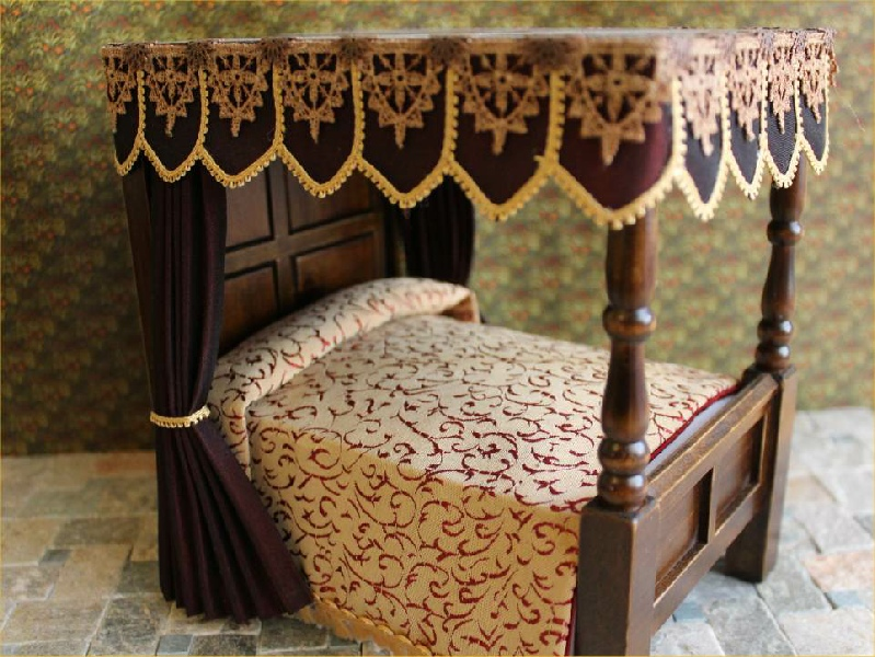 Tanya s little curtains tudor dressed beds 4